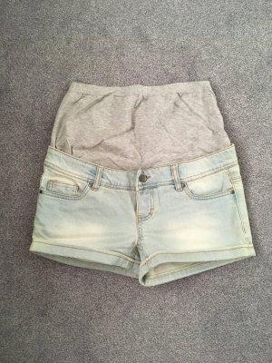 Kurze Shorts hellblau Gr. 30