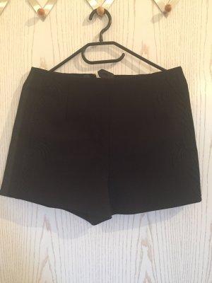 Kurze Shorts in schwarz