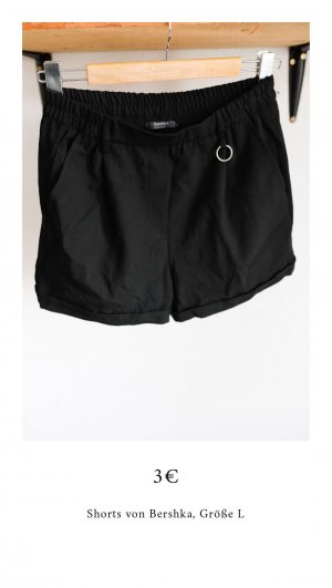 Kurze Shorts von Bershka