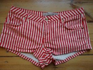 Kurze Shorts von zara