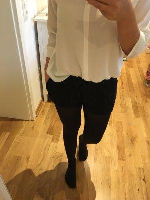 Kurze Spitzen Hose
