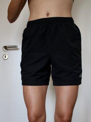Kurze Sporthose in Größe S/M