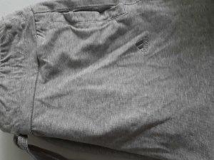 Kurze Sporthose von adidas in grau