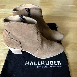 Kurze Stiefel von Hallhuber