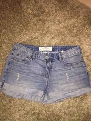 Kurze wasted Shorts.
