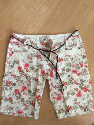 Kurze weiße Hose mit Blumenmuster in Größe M