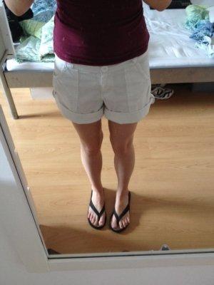 Kurze weiße Shorts Gr. 34