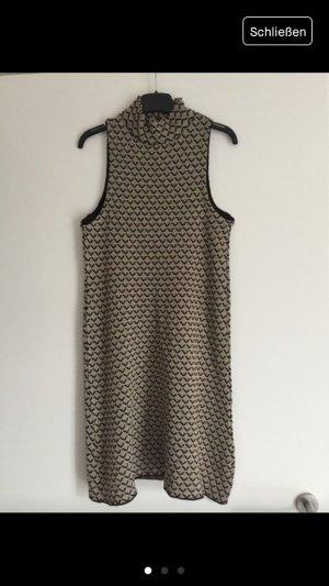 Kurzer gemusterter Kleid