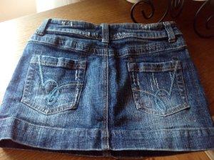 Kurzer Jeansrock zu verkaufen