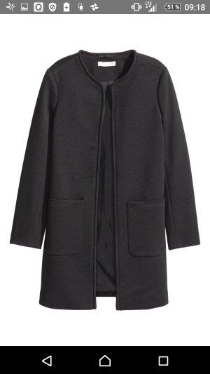 kurzer Mantel in Schwarz