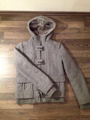 Kurzer Mantel von Bershka