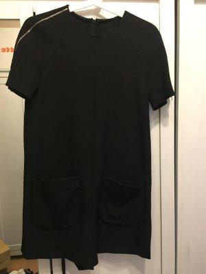 Kurzer Overall in schwarz von Zara