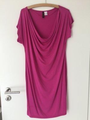 Kurzer /pinker Kleid