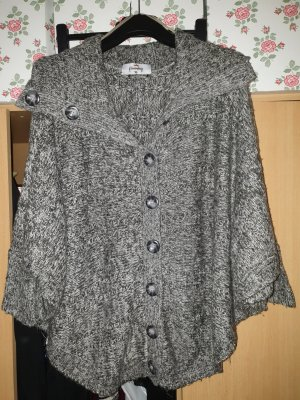 Knitted Poncho white-grey