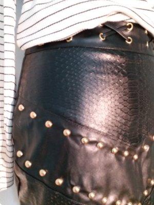 Boohoo Falda de cuero de imitación negro-color oro
