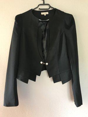 Kurzer schwarzer Blazer