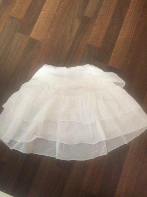 Kurzer Sommerrock in weiß
