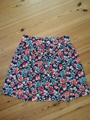 Kurzer Sommerrock mit Blumenprint