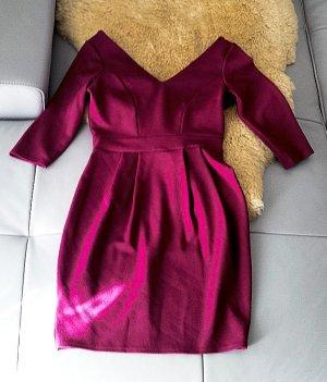 Kurzes beerenfarbenes 3/4 Arm Kleid mit 3D Struktur von Closet, Gr.36