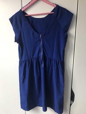 Kurzes blaues Sommerkleid von Mango