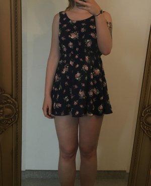 Kurzes Blümchen Kleid