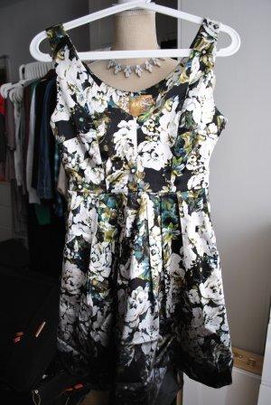 Kurzes Cocktail Kleid mit Muster