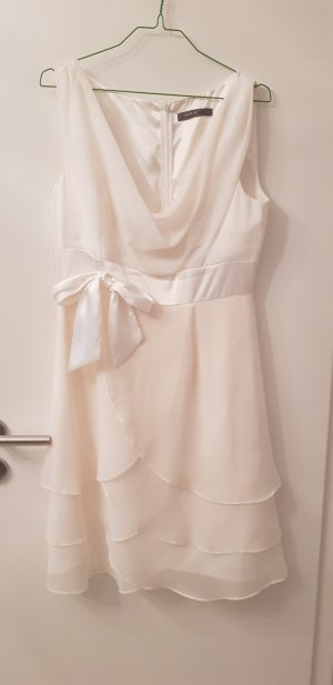 kurzes cremefarbenes Kleid