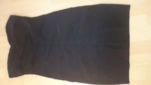 Kurzes drapiertes Minikleid aus Strech
