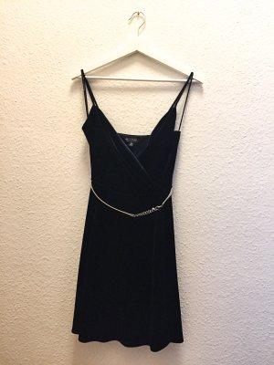 kurzes elegantes schimmerndes Wickelkleid aus Samt