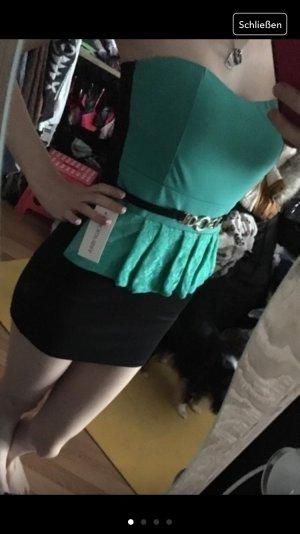 Kurzes enganliegendes Kleid in xs