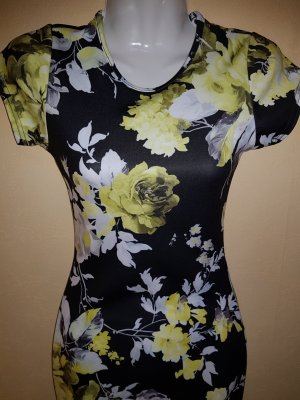 Kurzes figurbetontes Kleid von Boohoo mit Blumenmuster