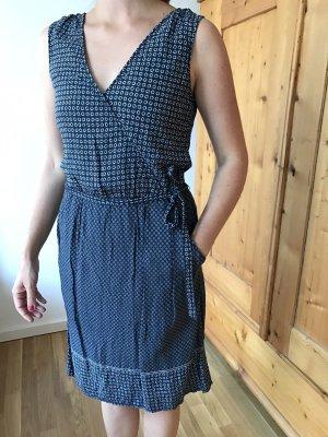 kurzes gemustertes Kleid von Esprit