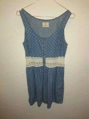 Kurzes, gepunktetes Kleid mit Spitzendetails (M)