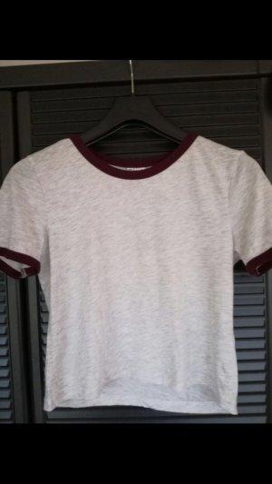 Kurzes graues T-Shirt