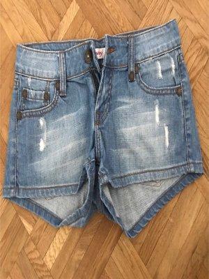 Kurzes Jeansshorts
