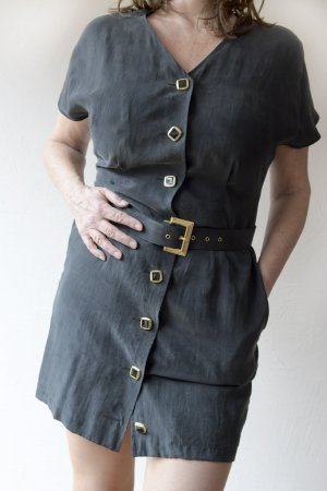 Kurzes Kleid, 100% Seide, schwarz, mit Gürtel