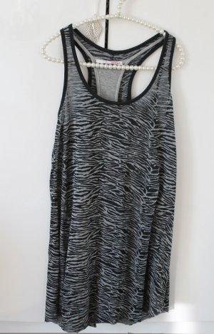 Kurzes Kleid für den Sommer