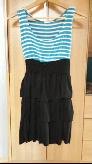 Kurzes Kleid, gestreift