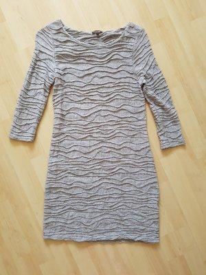 Kurzes Kleid im Crinkle Look Gr. 36