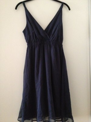 Kurzes Kleid in dunkelblau