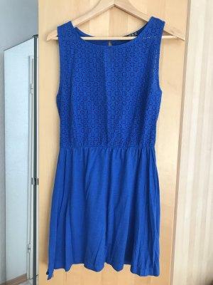Kurzes Kleid in sattem Blau