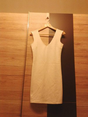 Kurzes Kleid in weiß