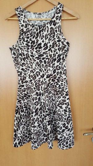 Kurzes Kleid mit Animalprint