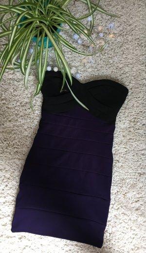 Kurzes Kleid mit Herzauschnitt und langen Reißverschluss