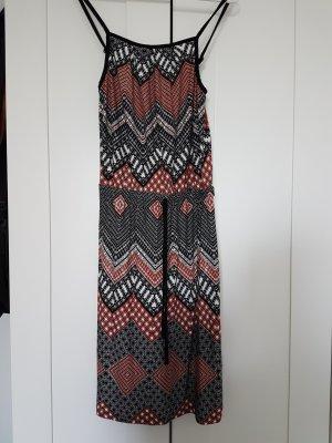 Kurzes Kleid mit Spaghettiträgern