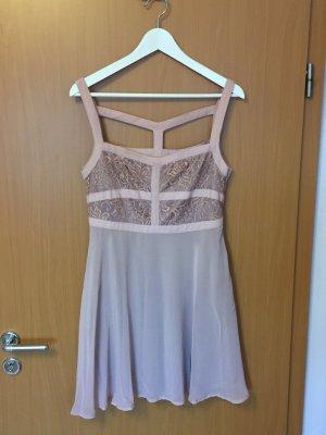kurzes Kleid mit Spitze von Review