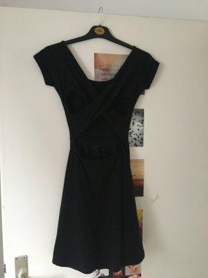 Kurzes Kleid mit tollem Rücken