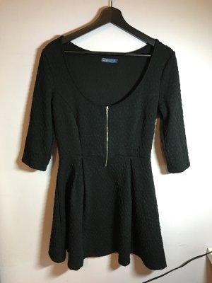 Kurzes Kleid Schwarz mit Muster