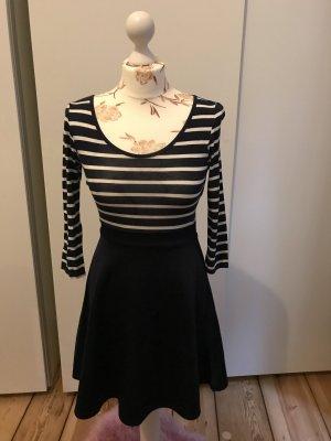 Kurzes Kleid von Club L