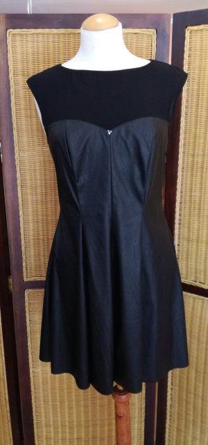 Kurzes #Kleid von #Guess Gr.38